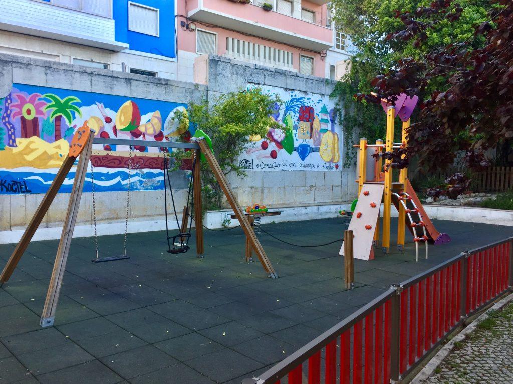 Der kleine Spielplatz direkt neben dem Restaurant PSI